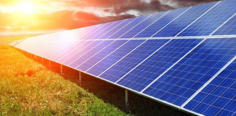 What Peak Enerji tarafından EIF 2017 Ankara Kongresi ve Fuarı'nda Türkiye'de ilk defa güneş panellerine yönelik Mobil Flash ve EL (Electroluminescence) Test cihazlarının lansmanını gerçekleştirdi.